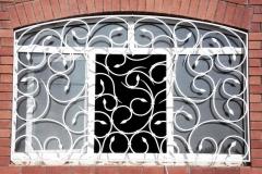 kovanye-reshetki-na-okna-3