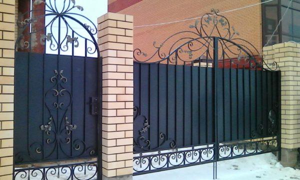 Ворота кованые 012